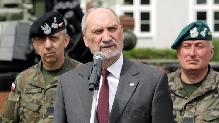 Macierewicz: Tusk już we wrześniu 2010 roku wiedział o pomieszaniu ciał ofiar
