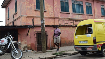 """05-12-2016 14:48 Wydawali amerykańskie wizy. Fałszywa ambasada zamknięta po 10 latach """"pracy"""" w Ghanie"""