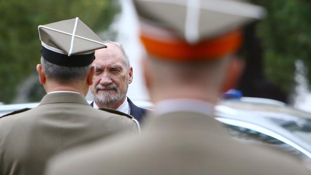 Macierewicz: Akademia Sztuki Wojennej ma kształtować elity obronności