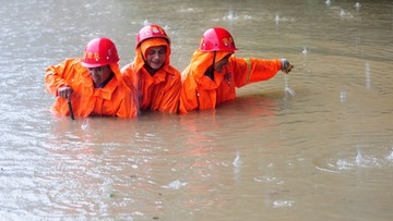 Powodzie w centrum Chin, zginęły 22 osoby