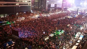 27-11-2016 08:14 Półtora miliona demonstrantów. Chcą ustąpienia prezydent Korei Płd.