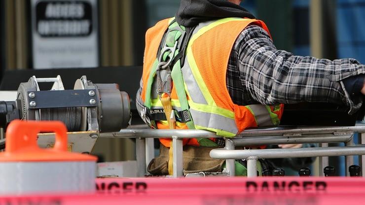 Firmy zapłacą za śmierć pracownika. Ministerstwo proponuje zmianę przepisów