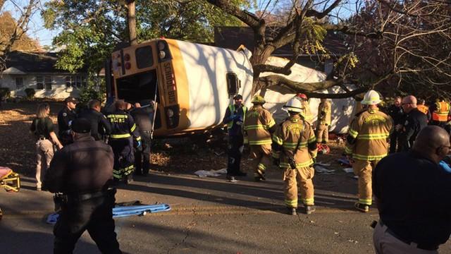 USA: Sześcioro dzieci zginęło w katastrofie autobusu szkolnego
