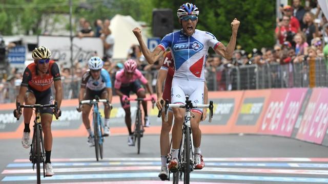 Giro d'Italia - Pinot wygrał 20. etap, Quintana nadal liderem
