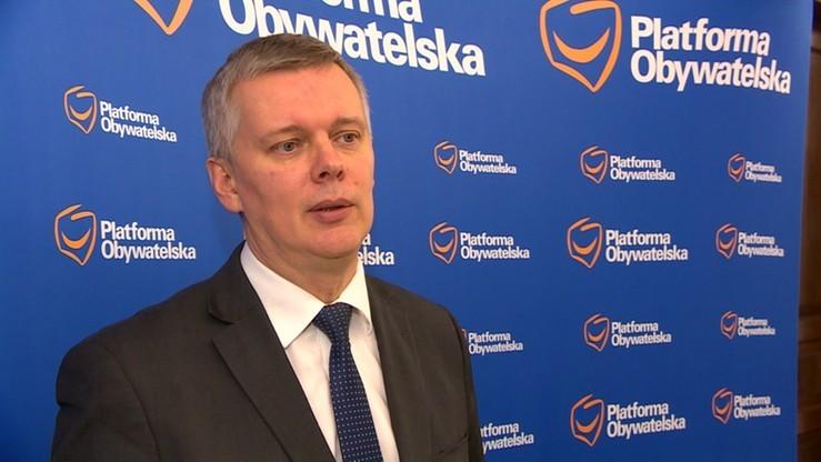 """Siemoniak: premier Szydło wróciła z Brukseli na tarczy. """"Mam poczucie wstydu"""""""