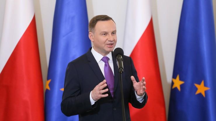 Prezydent: ktoś być może chce, by Polacy zobaczyli bijatykę na Krakowskim Przedmieściu