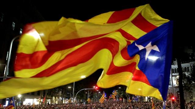 Hiszpański rząd chce zawiesić autonomię Katalonii. Coraz mniejsze szanse na dialog