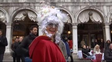 11-02-2017 21:56 Wyjątkowe tłumy w Wenecji. Rozpoczął się słynny karnawał