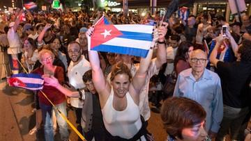 26-11-2016 09:16 Jedni płaczą, inni świętują na ulicach. Skrajne reakcje po śmierci Fidela Castro