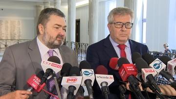 """08-09-2017 14:03 """"Komisja Europejska chce na siłę wcisnąć nam ludzi, którym nikt nie zagraża"""" - Czarnecki na temat imigrantów"""