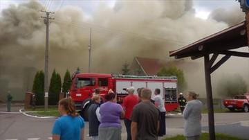 Mleczarnia w ogniu. Spłonęło tysiąc metrów dachu