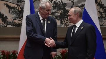 """""""Zlikwidować dziennikarzy"""". Prezydent Czech """"żartuje"""" z Putinem"""