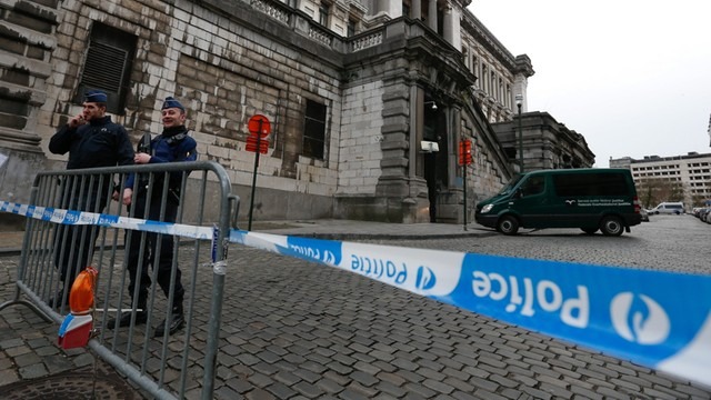 W komputerze zamachowca z Brukseli znaleziono plany siedziby premiera