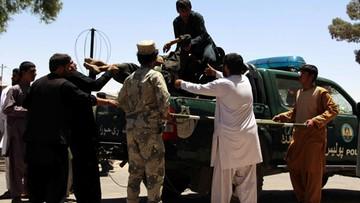 23-06-2017 05:45 Ponad 30 ofiar zamachu przed bankiem w Afganistanie