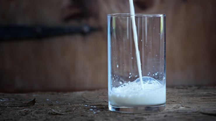 Pieniądze na mleko w szkołach. Unia przyznała nam więcej niż planowano