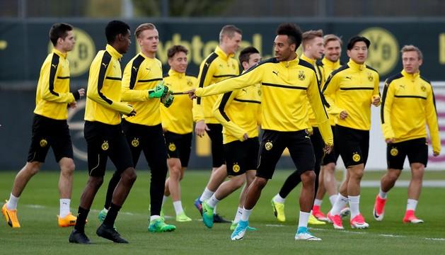 Eksplozje w pobliżu autokaru z piłkarzami Borussii Dortmund, mecz odwołany
