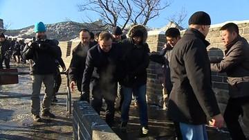 Prezydent Duda walczy z lodem na Wielkim Murze Chińskim