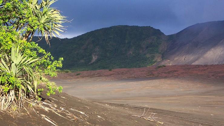 Władze zarządziły ewakuację całej wyspy Aoba. Ryzyko erupcji wulkanu na dużą skalę