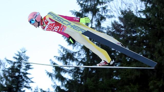 Kubacki drugi w Engelbergu, triumf Austriaka Aignera