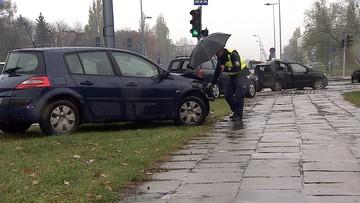 06-11-2016 08:56 Groźny wypadek na warszawskim Mokotowie. Cztery osoby w szpitalu