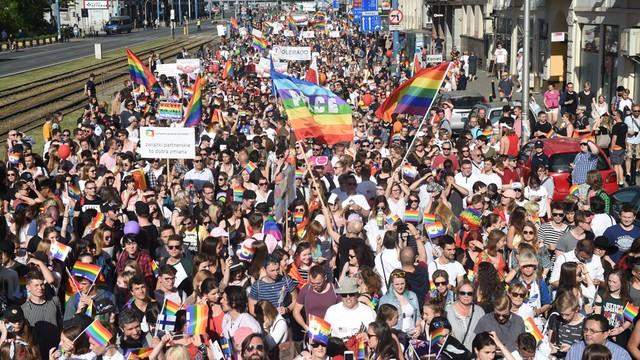 Ulicami Warszawy idzie 17. Parada Równości