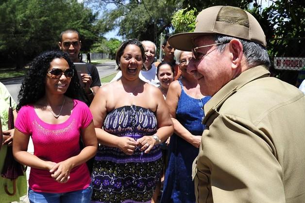 Raul Castro przyjedzie na defiladę w Moskwie 9 maja