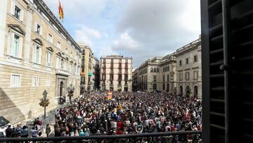 02-11-2017 14:24 Prokuratura chce aresztowania byłych ministrów Katalonii. Na ulicach manifestacje