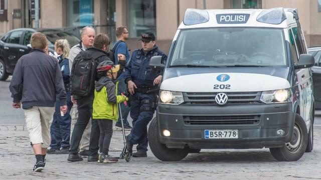 Finlandia: Kolejne przeszukania w związku z piątkowym atakiem w Turku