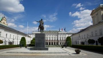 Instalacja upamiętniająca katastrofę smoleńską przyjedzie do Warszawy z Krakowa