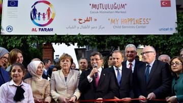 23-04-2016 20:29 Merkel za utworzeniem stref bezpieczeństwa przy granicy z Turcją