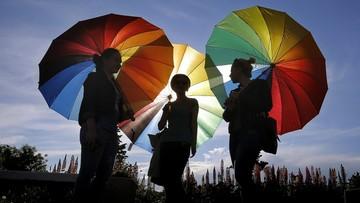 23-05-2016 18:54 3 mln podpisów przeciwko małżeństwom homoseksualnym w Rumunii
