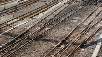 02-12-2016 06:31 Zderzenie pociągów w Myszkowie. Pożar lokomotywy