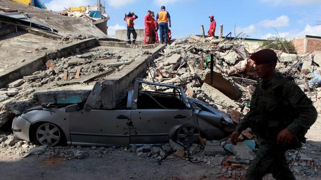 Ekwador: już ponad 400 ofiar śmiertelnych trzęsienia ziemi