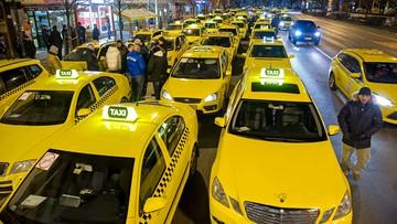 18-01-2016 10:10 Protest taksówkarzy w Budapeszcie. Zablokowane centrum miasta