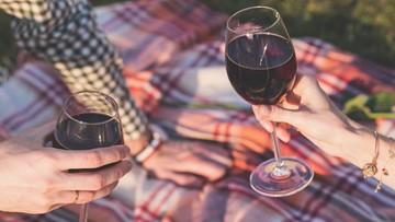 06-07-2017 17:34 Ograniczenie wolności za picie alkoholu w miejscu publicznym. To projekt resortu sprawiedliwości