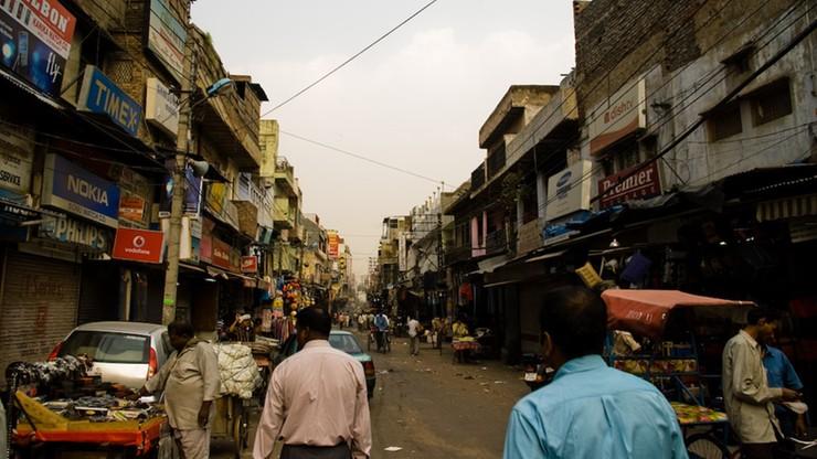 Indie: od 2017 r. wszystkie telefony będą miały przycisk alarmowy. Chodzi o bezpieczeństwo kobiet