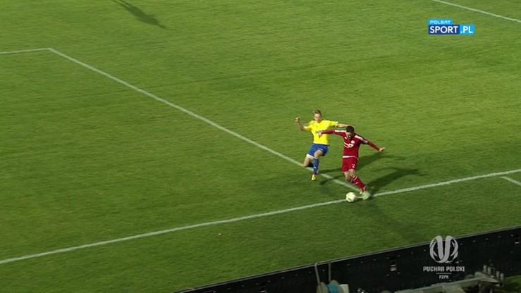 Kolejny kontrowersyjny gol! Piłka była już za linią?