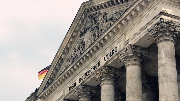 """Delegacja Bundestagu nie spotka się z żołnierzami niemieckimi w tureckiej bazie. Merkel: dostęp posłów do bazy """"absolutnie konieczny"""""""