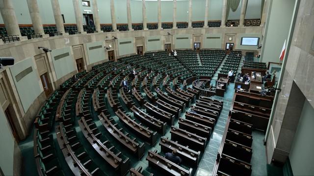 Wybór nowych sędziów TK na kolejnym posiedzeniu Sejmu 2-3 grudnia