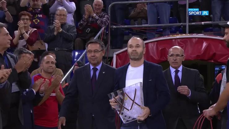Iniesta uhonorował koszykarską legendę Barcelony