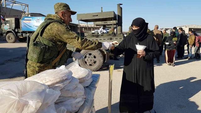 Rosja: Wojsko twierdzi, że pomogło tysiącom cywilów opuścić wschodnie Aleppo