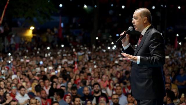Turcja: Czystki w kancelarii premiera i urzędzie ds. religijnych