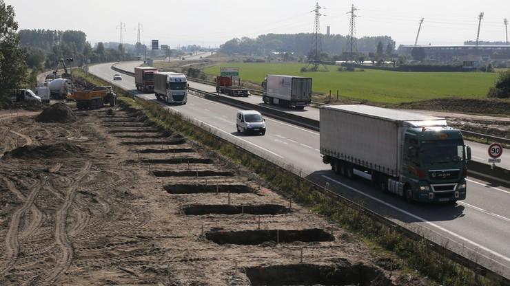 Błaszczak broni polskich kierowców w Calais. Apeluje do szefa francuskiego MSW