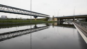 20-08-2017 18:42 Ostrzeżenie przed intensywnymi opadami deszczu. W Warszawie zalana trasa S79 w kierunku lotniska