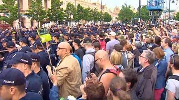 Policja: Frasyniuk odpowie za naruszenie nietykalności jednego z funkcjonariuszy