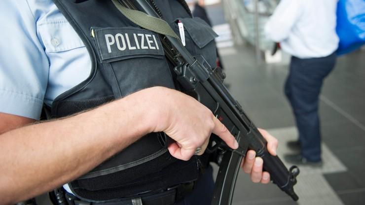 Niemcy: zatrzymanie trzech osób, możliwe związki z terroryzmem