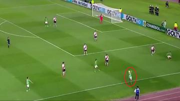 2015-11-06 Piłkarz zobaczył ducha?! (WIDEO)