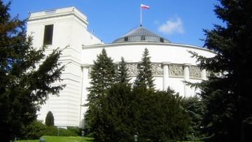 """09-10-2017 19:22 Nielegalny alkohol w Sejmie. Whisky bez zezwolenia i paragon na """"konsumpcję"""". """"Kancelaria wyjaśnia sprawę"""""""