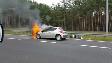 2017-07-14 Auto stanęło w płomieniach na drodze do Trójmiasta
