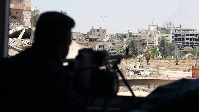 Irak: Rządowe grupy paramilitarne dotarły do granicy z Syrią